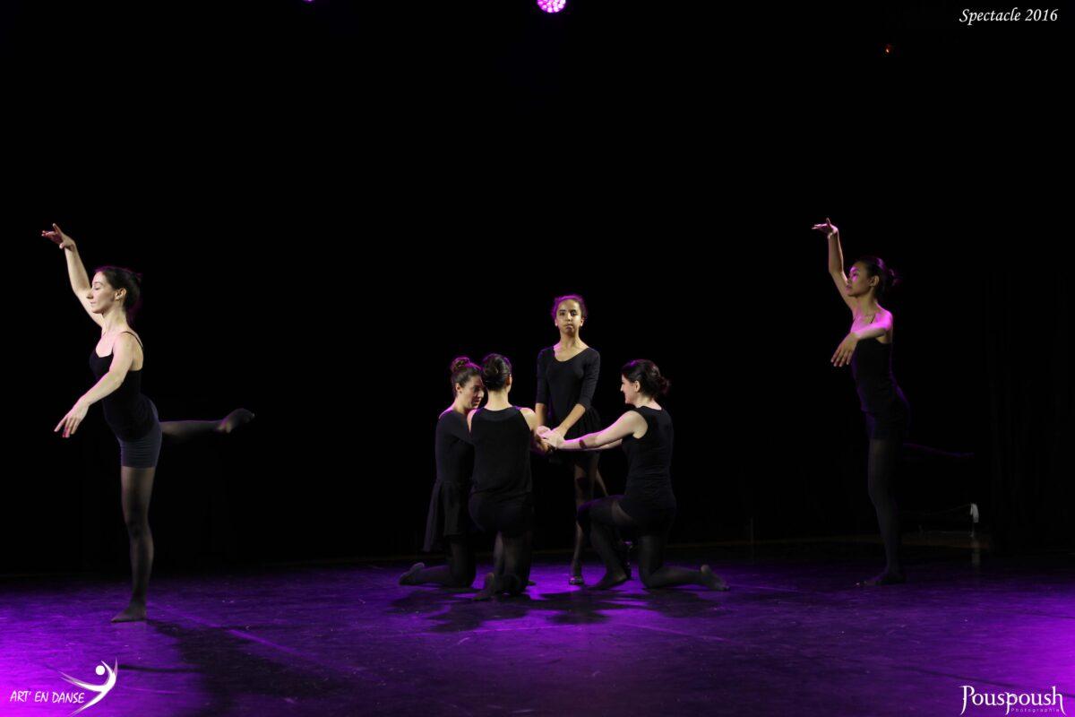 des danseuses en noir